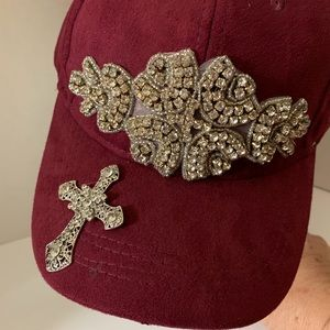 Accessories - New ladies Burgundy suede baseball cap